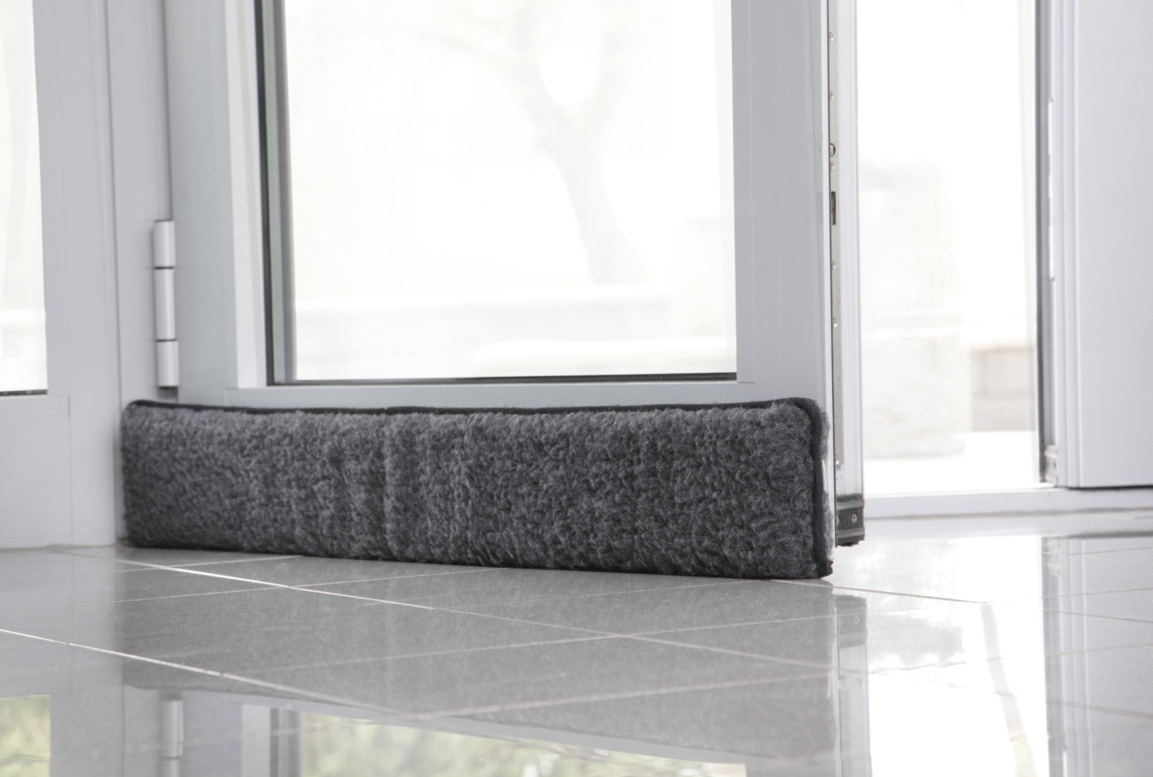 schurwolle t r fenster zugluftstop zugluftstopper selbstklebend zugluftrolle ebay. Black Bedroom Furniture Sets. Home Design Ideas